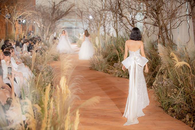 Váy cưới hiện đại cho cô dâu mùa hè thu - 10