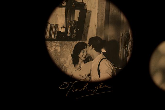 Điểm nhấn của những bộ ảnh cưới theo phong cách retro không phải là trang phục hay bối cảnh,mà quan trọng là cảm xúc và thần thái của các nhân vật xuất hiện trong bức ảnh đó.