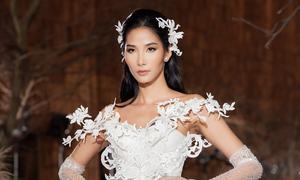 Hoàng Thuỳ mặc váy cô dâu làm vedette