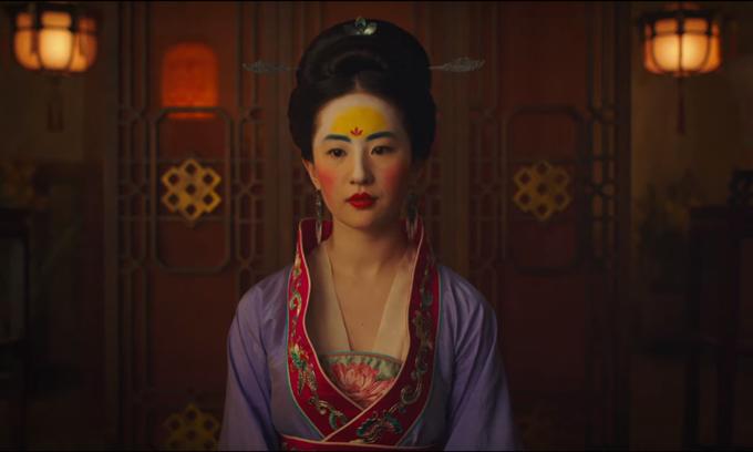 Lưu Diệc Phi bị chê giống hề trong trailer Hoa Mộc Lan.