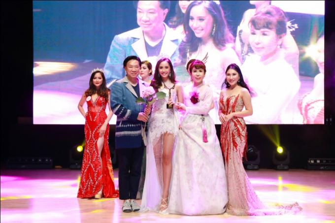 Hoa hậu Oanh Yến đăng quang Nữ hoàng Queen of Beauty World 2019 tại Hàn Quốc - xin edit - 11