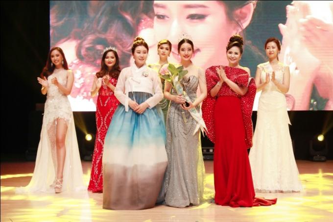 Hoa hậu Oanh Yến đăng quang Nữ hoàng Queen of Beauty World 2019 tại Hàn Quốc - xin edit - 10