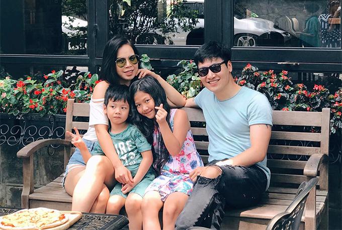 Gia đình Mạnh Trường trong chuyến nghỉ mát tại Tam Đảo cách đây vài ngày.