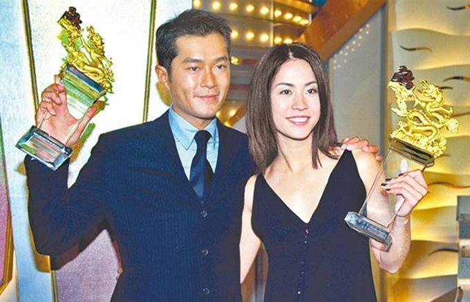 Họ giành giải Cặp đôi được yêu thích nhất năm 1999.