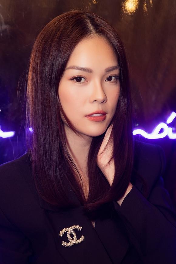 Nóivề nửa năm 2019 đã đi qua, Dương Cẩm Lynh cho biết cô hào hứng khi nhận nhiều lời mời tham gia show, hài lòng với cuộc sống mẹ đơn thân hiện tại. Cô thú nhận chưa tìm lại được niềm tin trong hôn nhân, nên tạm thời chưa nghĩ tới nhân duyên mới.