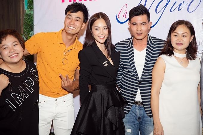Gần đây, đoàn phim Khi thân chủ là người tình tổ chức tiệc đóng máy tại TP HCM, với sự tham gia của dàn diễn viên chính và các thành viên đoàn phim.
