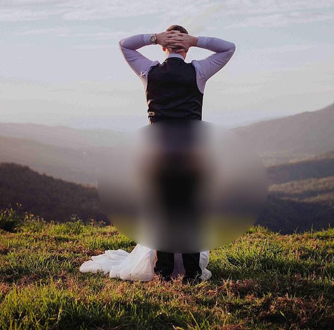 Cô dâu chú rể bị chỉ trích vì tạo dáng nhạy cảm trong ảnh cưới