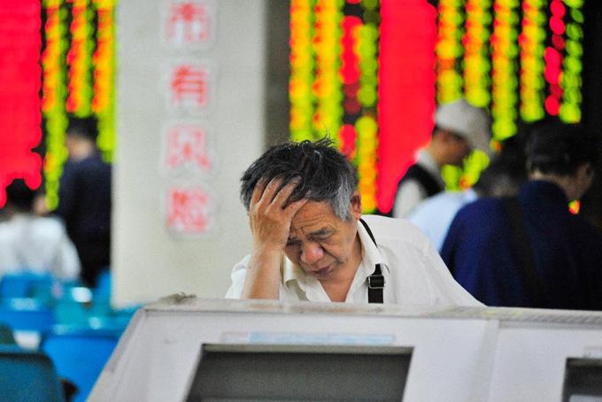 Thị trường chứng khoán Trung Quốc lao dốc khiến tài sản giới giàu nước này bị giảm mạnh. Ảnh: Forbes.