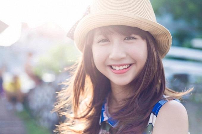 Quỳnh Anh Shyn (tên thật Phí Quỳnh Anh) được biết đến nhiều vớihình ảnh một cô gáidễ thương của Bộ ba sát thủ, 3s online