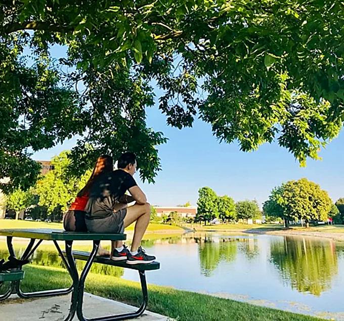 Hồ Ngọc Hà tận hưởng khoảng lặng bình yên bên bạn trai Kim Lý khi du lịch ở Mỹ.
