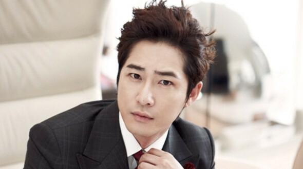 Tài tử Kang Ji Hwan.