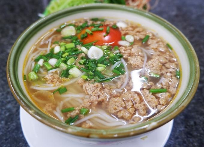 Bún riêu cua ốc xào ở Sài Gòn