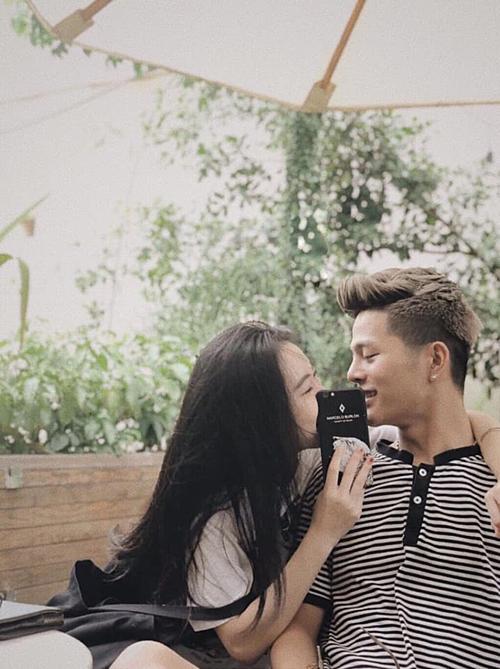 Quang Anh và bạn gái.
