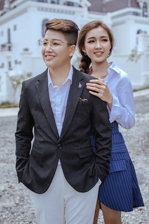 Nữ ca sĩTú Tri từng công khai tình cảm của mình với Yun Bin trong một tập phát sóng củaSolo cùng Bolero 2018,khiến công chúng bất ngờ.