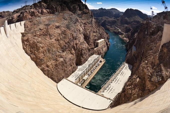 Đập Hoover - một phần của bảy kỳ quan thế giới công nghiệp. Ảnh: Klook Vietnam.