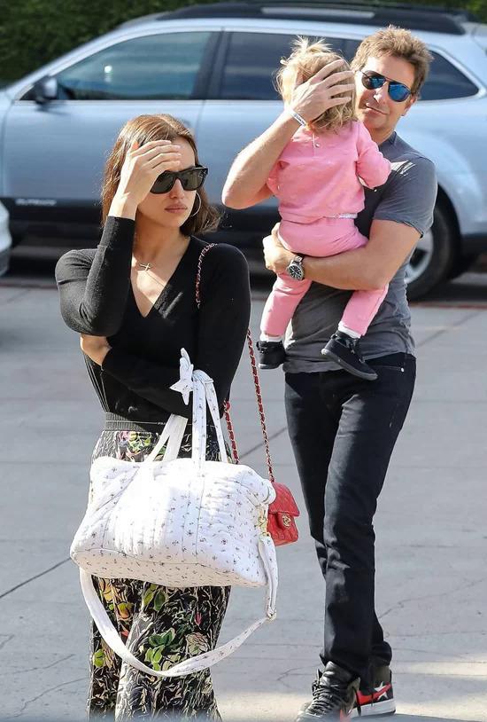 Irina và Bradley có chung cô con gái Lea.
