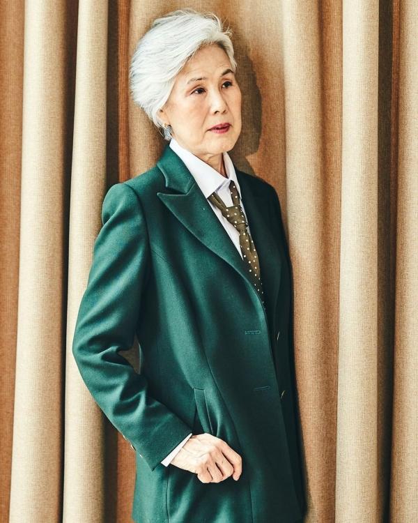 Cụ bà Choi Soon-Hwa, 77 tuổi, đến từ Hàn Quốc, là một trong những người mẫu đặc biệt