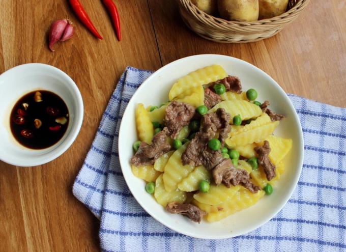 Khoai tây xào thịt bò thơm bùi
