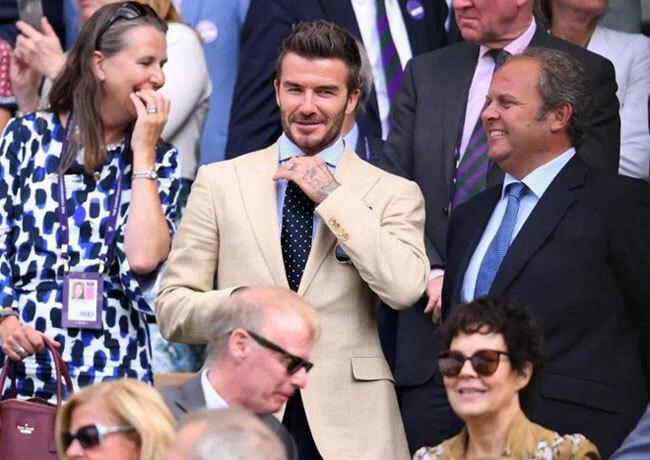 Trong trận bán kết nữ ngày 11/7, ngôi sao 44 tuổi cũng xuất hiện cùng người mẹ Sandra. Anh là một trong những vị khách quen thuộc của Wimbledon khi diễn ra các trận đấu lớn.