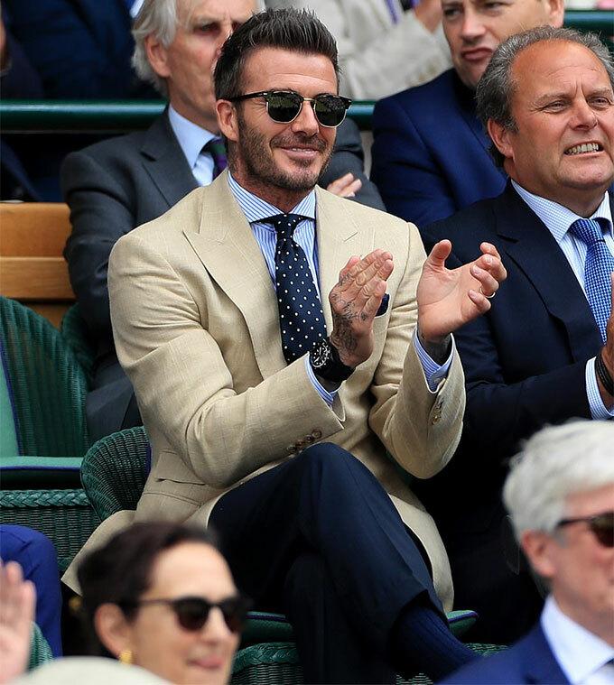 Becks là một trong những khách VIP tới xem cuộc so tài kinh điển giữa hai tay vợt kỵ giơ tại bán kết hai Wimbledon trên sân trung tâm tại London. Sau khi trận đấu kết thúc với phần thắng thuộc về Federer, cựu danh thủ điển trai thốt lên không thể tin được.