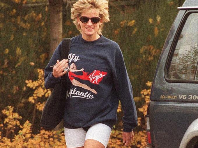 Cố công nương thường xuyên mặc chiếc áo nỉ của Virgin Atlantic trong những lần đi tập thể hình. Ảnh: UK Press.