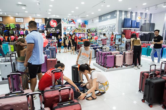 LUG là một trong những hệ thống phân phối phụ kiện hành lý lớn nhất Việt Nam.