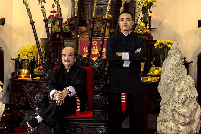 Ông Nam Anh Kiệt chụp cùng sư phụ Nam Anh - Chưởng môn Vịnh Xuân chính thống phái. Ảnh: FB.