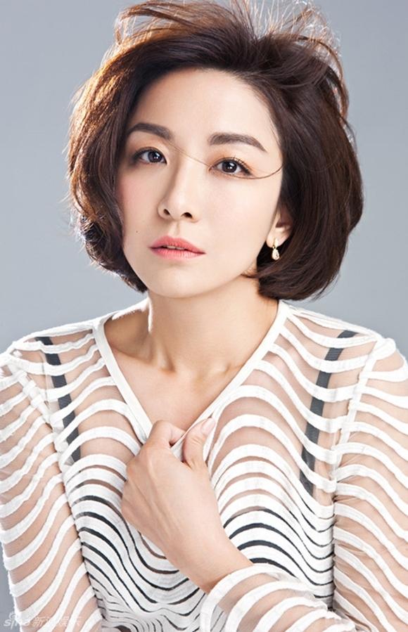 Giang Tổ Bình xuất thân là người mẫu, hiện vẫn đóng phim nhưng tên tuổi không còn như xưa.