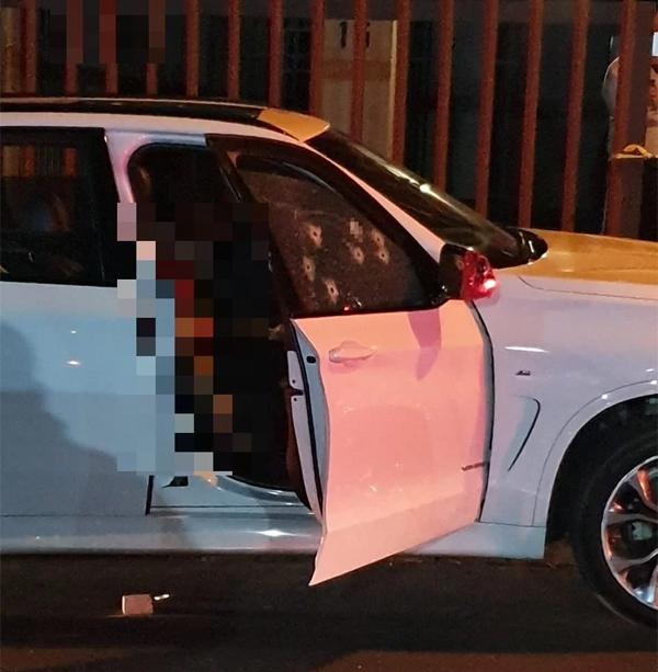 Cựu danh thủ Nam Phi tử nạn trong xe trên đường về nhà.