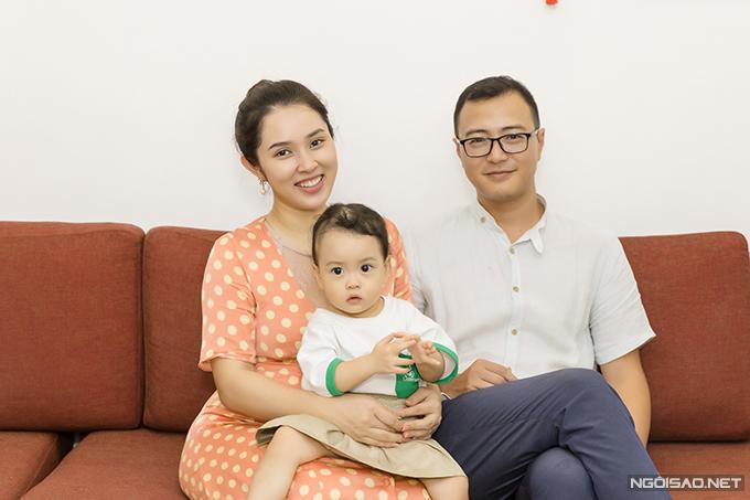 Sau khi kết hôn, Bảo Trâm Idol và ông xã Hải Linh được bố mẹ chồng cho một căn nhà rộng lớn trên đường Tô Ngọc Vân (Tây Hồ - Hà Nội). Vì không sử dụng hết mọi công năng của ngôi nhà nên vợ chồng nữ ca sĩ quyết định cho thuê nhà của mìnhvà đi thuêcăn nhà nhỏ hơn trên đường Tây Hồ để sinh sống. Gia đình Bảo Trâm Idol đã chuyển về ngôi nhà này từ đầu năm 2019.