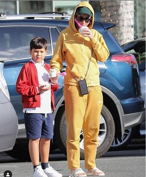 Flynn đi mua kem với Katy Perry.