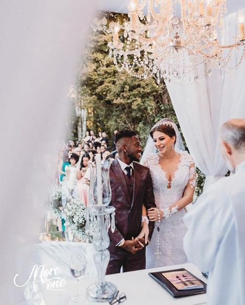 Fred và vợ bắt đầu hẹn hò từ đầu năm 2016, khi đó tiền vệ 26 tuổi đang là cầu thủ của