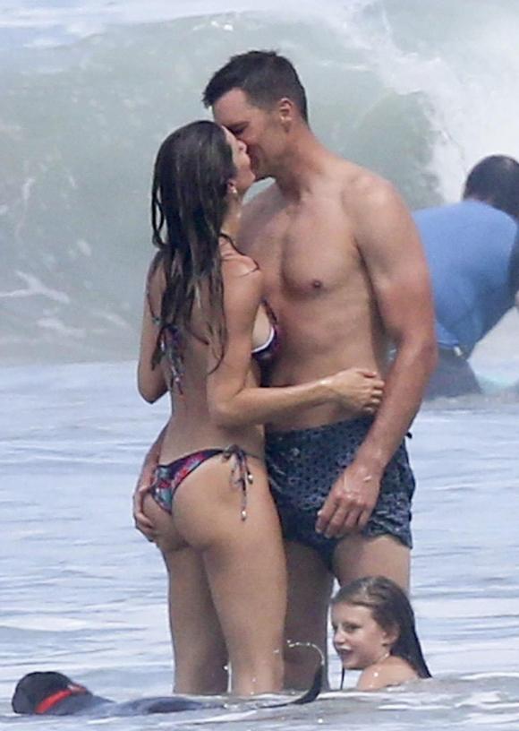 Gisele Bundchen cùng chồng con đi nghỉ dưỡng ở Costa Rica vào đầu tuần này.