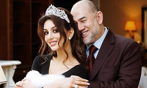 Cựu vương Malaysia ly hôn người đẹp Nga