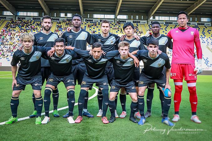 Chiều 17/7 theo giờ Bỉ (rạng sáng 18/7 giờ Việt Nam), CLB Sint-Truiden có trận giao hữu với đội bóng hạng hai Lommel để chuẩn bị cho mùa giải mới. Công Phượng được HLV Marc Brys đưa ra sân trong đội hình xuất phát.