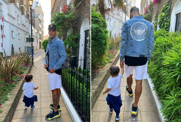 Erik Lamela dành trọn thời gian cho con gái trong kỳ nghỉ hè muộn.