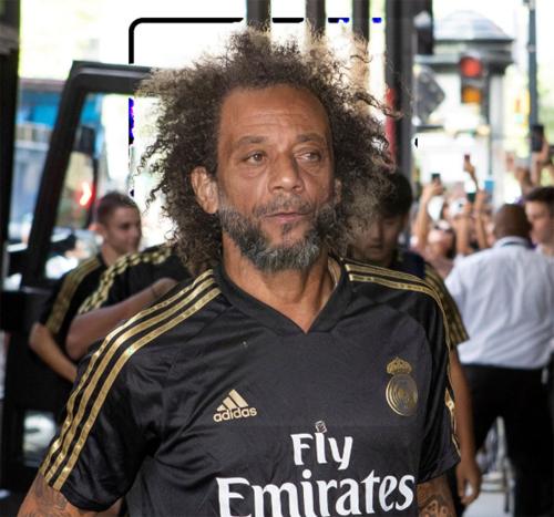 Ngoài làn da nhăn nheo, Marcelo về già không có nhiều thay đổi so với bây giờ.