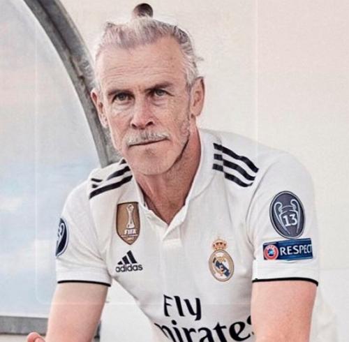 Gareth Bale tóc và râu bạc trắng