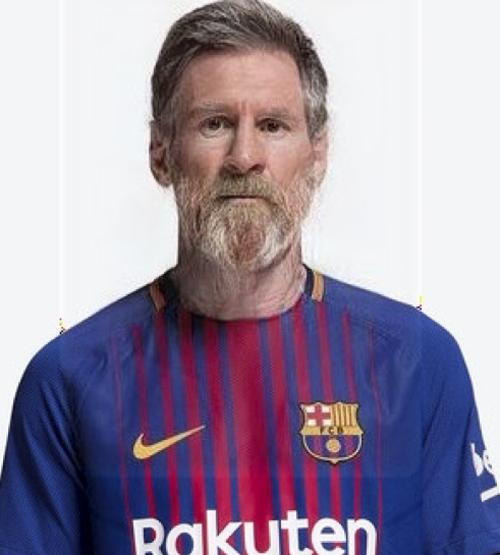 Messi trong bộ dạng ông già đau khổ