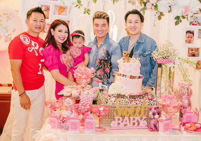 Hai ca sĩ Đàm Vĩnh Hưng, Dương Triệu Vũ từ Việt Nam qua Mỹ lưu diễn và dự sinh nhật con gái Thanh Thảo.