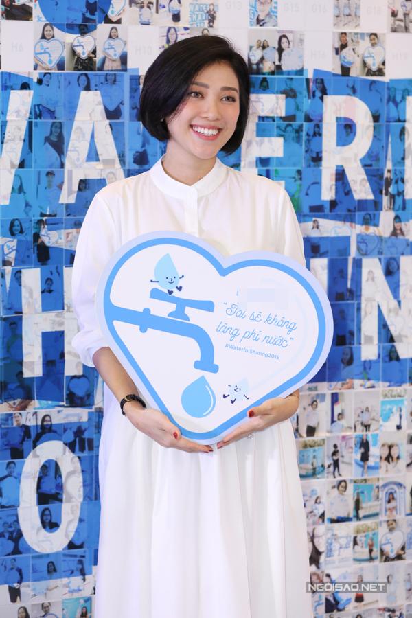 MC Yumi Dương dù sắp lâm bồn vẫn dành thời gian đi sự kiện.