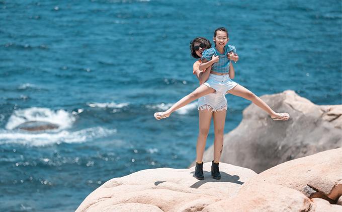 Thái Thùy Linh coi quãng thời gian sản xuất MV Đi để trở về như kỷ niệm đẹp của 3 mẹ con.