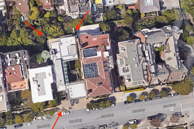 Năm 1988, Ellison đã mua căn nhà trị giá 3,9 triệu USD trong khu phố dành cho giới tỷ phú tại San Francisco. Ngôi nhà rộng 930m2, có bốn tầng và năm phòng ngủ, được thiết kế bởi kiến trúc sư William Wurster.
