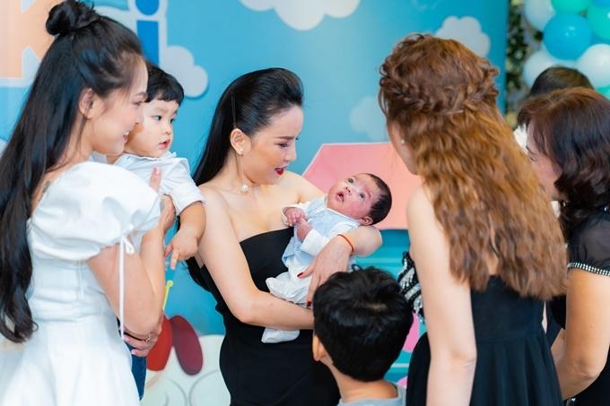 Ngọc Châu đưa theo con trai sắp vào lớp 1, cô hiện duy trì hoạt động của nhóm Mây Trắng cùng hai thành viên khác còn Thu Ngọc tạm ngừng công việc ca hát sau khi lập gia đình.