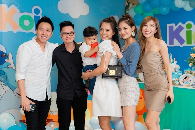 Ca sĩ Trang Pháp, diễn viên Thùy Anh rạng rỡ bên bà mẹ ba con Hải Băng.