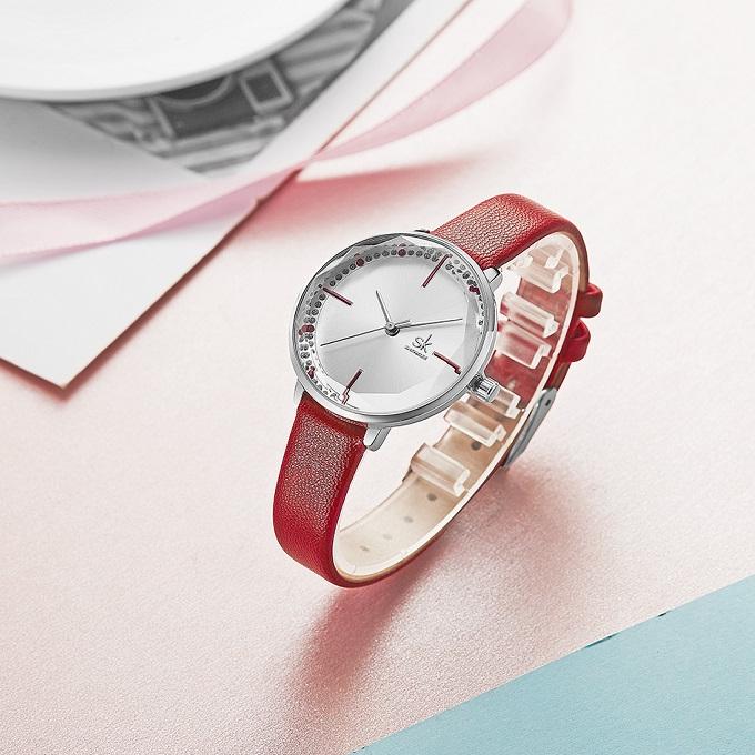 Khi mua đồng hồ nữ chính hãng Shengke Korea K8048L-02 với giá ưu đãi 949.500 đồng (giá gốc 1,899 triệu đồng), người mua còn được tặng đồng hồ Led.