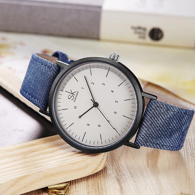 Thiết kế K8020L-02 của hãng Shengke Korea còn có màu xanh biển, xanh lá cũng được bán đồng giá 1,099 triệu đồng và tặng đồng hồ Led.