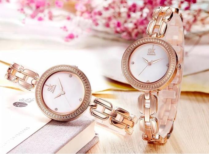Mẫu đồng hồ Shengke Korea K0003L-03 được giảm giá từ 1,69 triệu còn 849.500 đồng, tăng đồng hồ Led.
