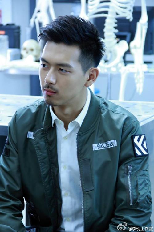 Vai diễn cảnh sát Lâm Đào trong Pháp y Tần Minh, đóng cặp với Trương Nhược Quân cũng được đánh giá cao bởi sự phối hợp ăn ý, diễn xuất linh hoạt.