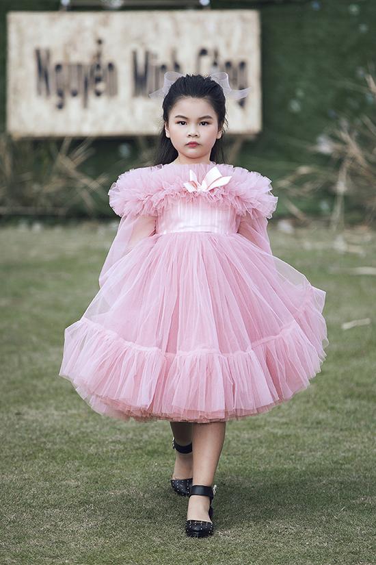 Theo đạo diễn, ngoài dự án Asian Kids Fashion Week, câu lạc bộ của anh sẽ tổ chức thêm một chương trình vào mùa hè để tạo sân chơi mới cho các bé yêu nghề mẫu. Đồng thời chương trình còn giới thiệu các bộ sưu tập mới nhất cho mùa hè thu.